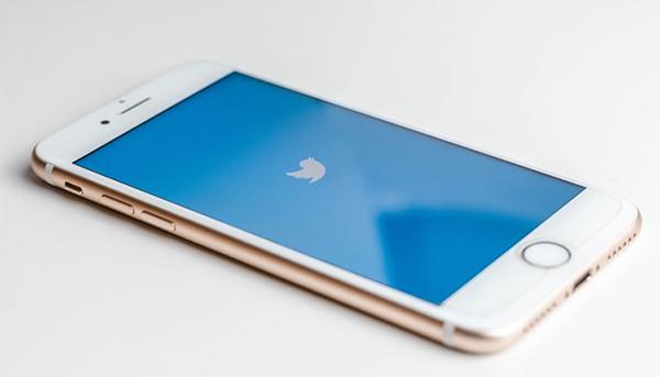 تويتر تعترف باستخدمت أرقام وعناوين البريد الألكترونية  لأغراض إعلانية