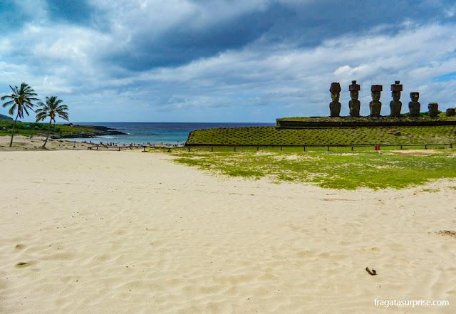 Ahu Nau-Nau, Praia de Anakena, Ilha de Páscoa
