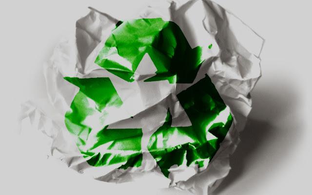 «Τους τελευταίους 15 μήνες καταστρώσαμε και εφαρμόζουμε μια ολοκληρωμένη πολιτική για να αντιμετωπίσουμε χρόνια προβλήματα και να εφαρμόσουμε μια σύγχρονη ευρωπαϊκή πολιτική διαχείρισης αποβλήτων», δήλωσε ο υπουργός Περιβάλλοντος και Ενέργειας, Κωστής Χατζηδάκης, παρουσιάζοντας οκτώ μεγάλες δράσεις του ΥΠΕΝ, με αφορμή την Ευρωπαϊκή Εβδομάδα Μείωσης Αποβλήτων (21-29 Νοεμβρίου).