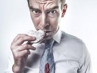 Hikmah Medis Di Balik Larangan Makan Dan Minum Sambil Berdiri