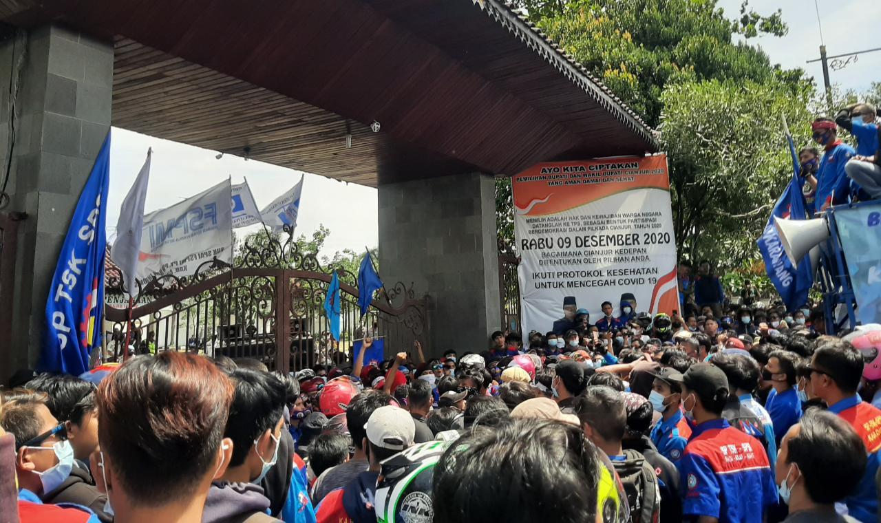 Ribuan Buruh Gelar Aksi, SPN Desak Pemkab Cianjur Naikkan UMK 2021