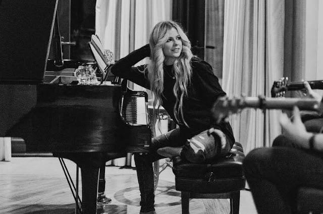 Avril Lavigne: esto es lo que sabemos de su nuevo disco
