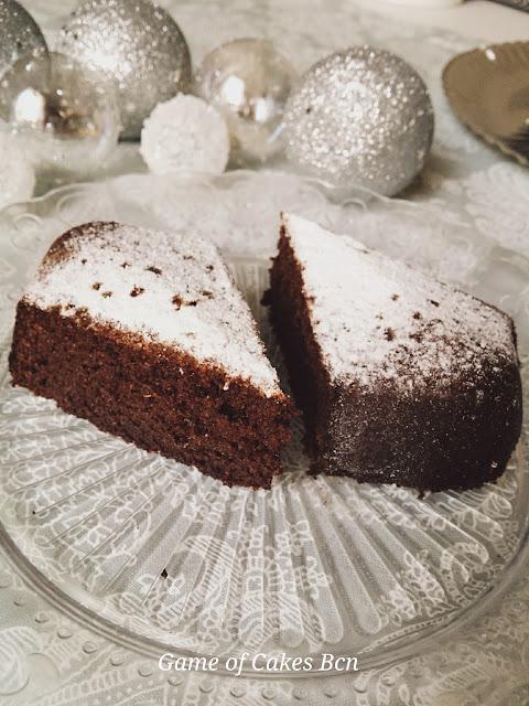 Bizcocho facil y rapido de navidad de almendra, miel y chocolate, sin gluten y sin lactosa