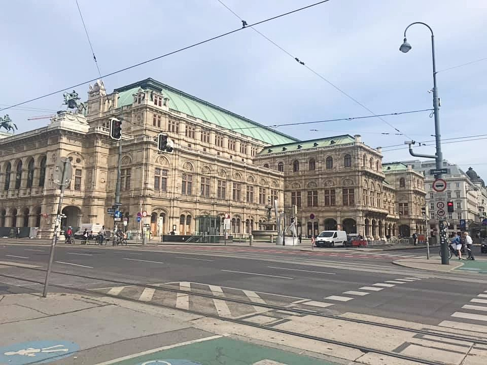 Lockdown Lifted: vienna opera house