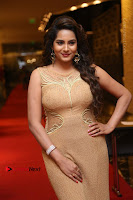 Actress Himaja Stills in Golden Spicy Long Dress at SIIMA Short Film Awards 2017 .COM 0249.JPG