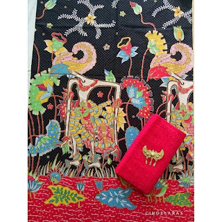 kain batik wayang baru hitam-merah dan embos