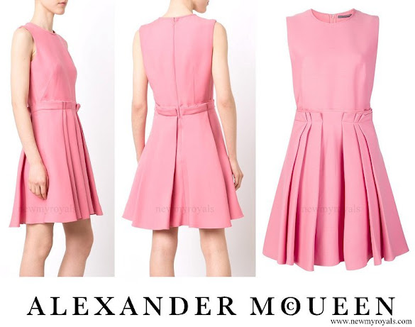 Kate Middleton wore ALEXANDER MCQUEEN pleated skirt skater dress