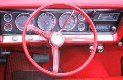 Autó volánja a sofőrülésből