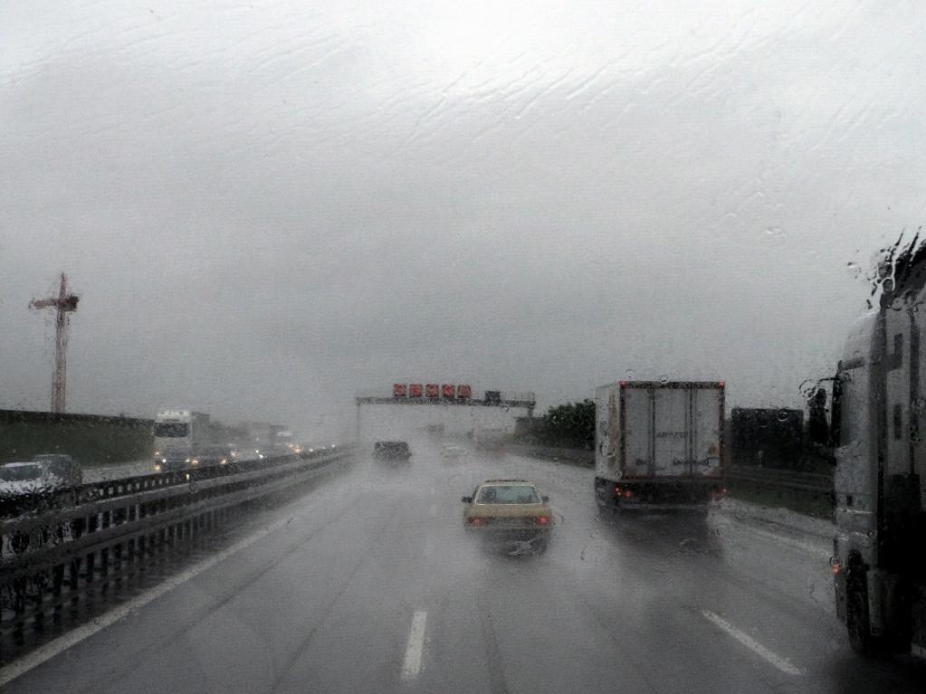 Eine Busfahrt im Regen, die ist lustig