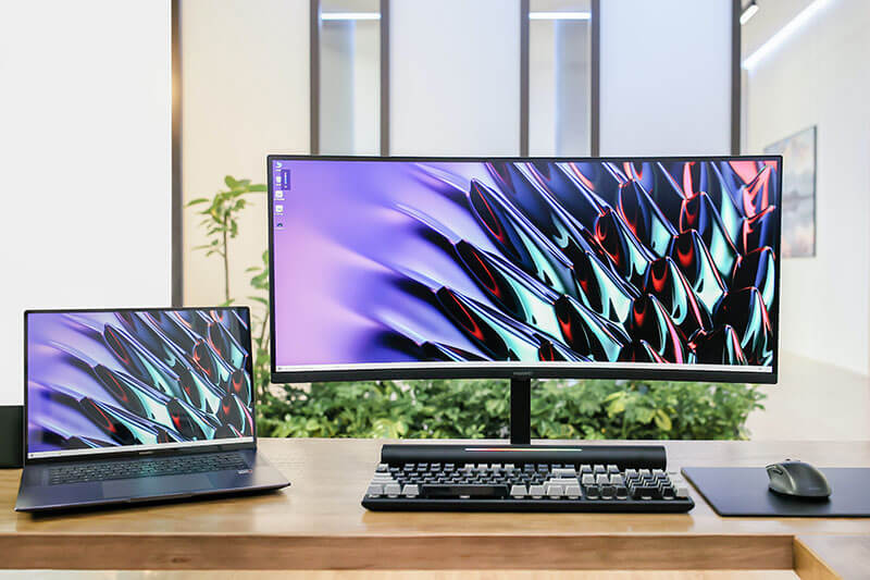 secondary monitor for laptops and desktops