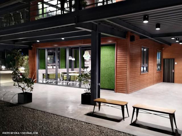 IMG 20180521 220103 - 大肚夜景餐廳│三森咖啡5月新開幕!藍色公路制高點,位置偏僻樹木有點多(已歇業)