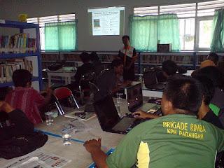 Belajar Ngeblog di Perpustakaan Umum Bojonegoro
