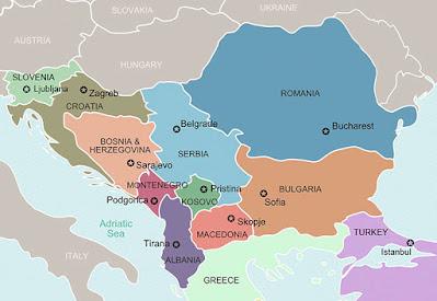 Albania og Serbia ligger på hvilken halvøy?
