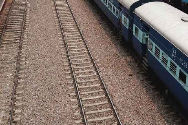 Maoists blow up railway track in Jharkhand