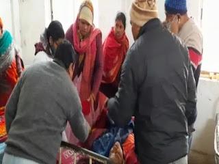 परीक्षा हॉल में अचानक छात्रा की बिगड़ी तबीयत, हॉस्पिटल में कराया गया भर्ती