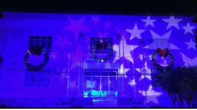 Espetáculo de projeções de luzes na Prefeitura está de volta em Registro-SP