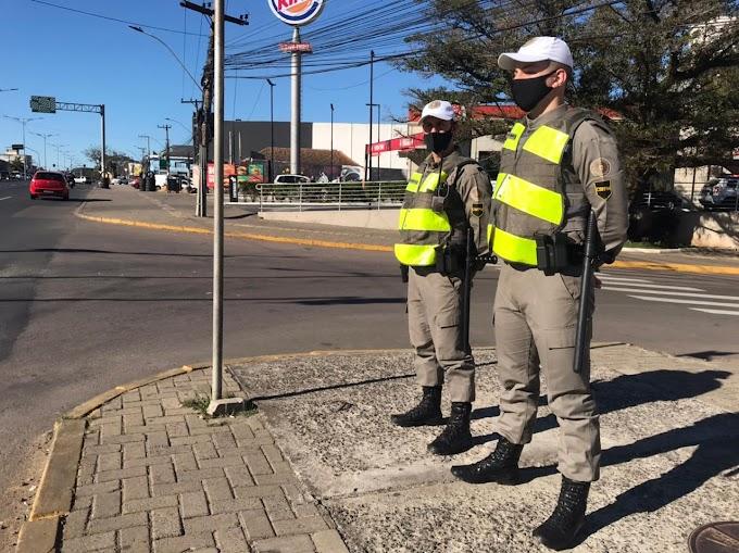 Alunos soldados da BM reforçam efetivo do 26º BPM no patrulhamento de Cachoeirinha