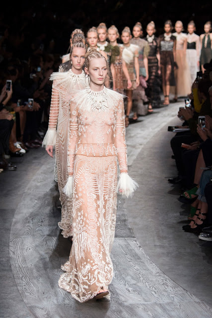 Valentino Spring 2016 Ready to Wear, Paris Fashion Week.