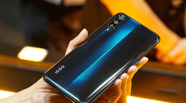 iQOO 5 Price And Review Full Specifications