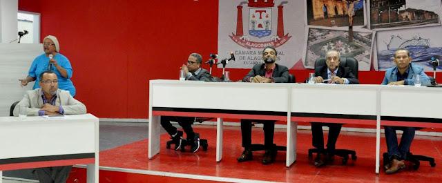 ALAGOINHAS: Vereadores repudiam comentarista da rádio 93 FM