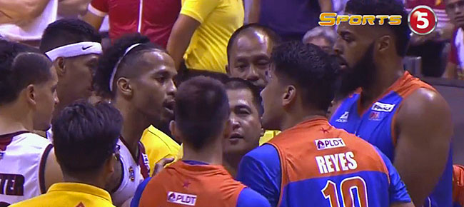 Chris Ross & Ryan Reyes SCUFFLE in Game 3 (VIDEO)