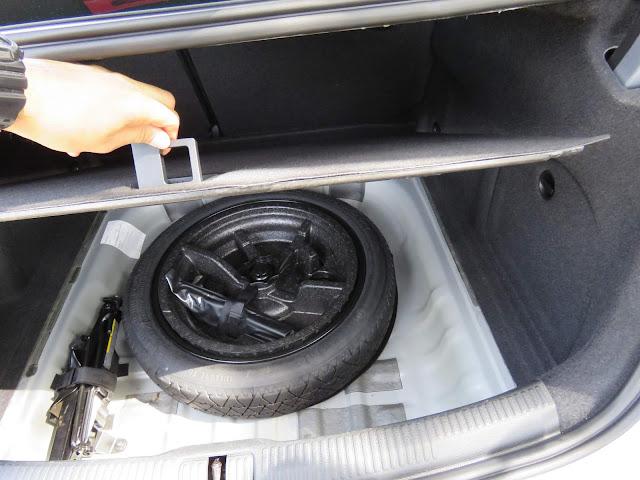 Audi A3 Sedan 1.4 Flex - porta-malas - estepe