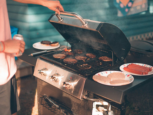 8 Tips for A Budget-Friendly Cookout