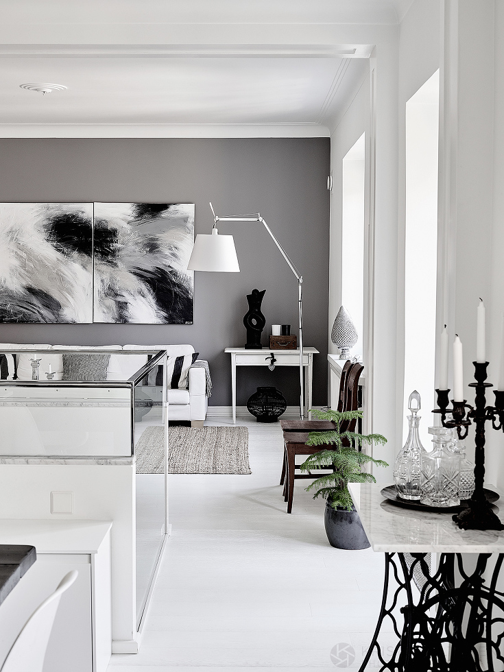 Black & White house in Finland by Krista Keltanen Photography