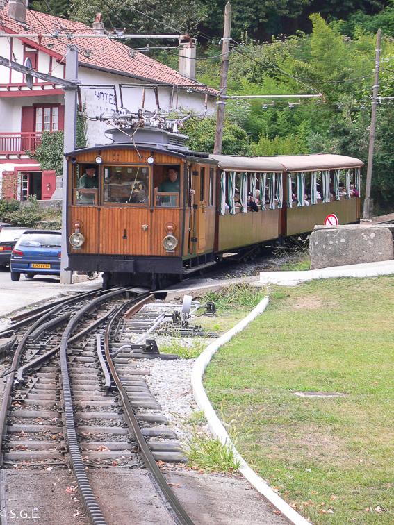 Tren de Larrun, el pequeño tren cremallera