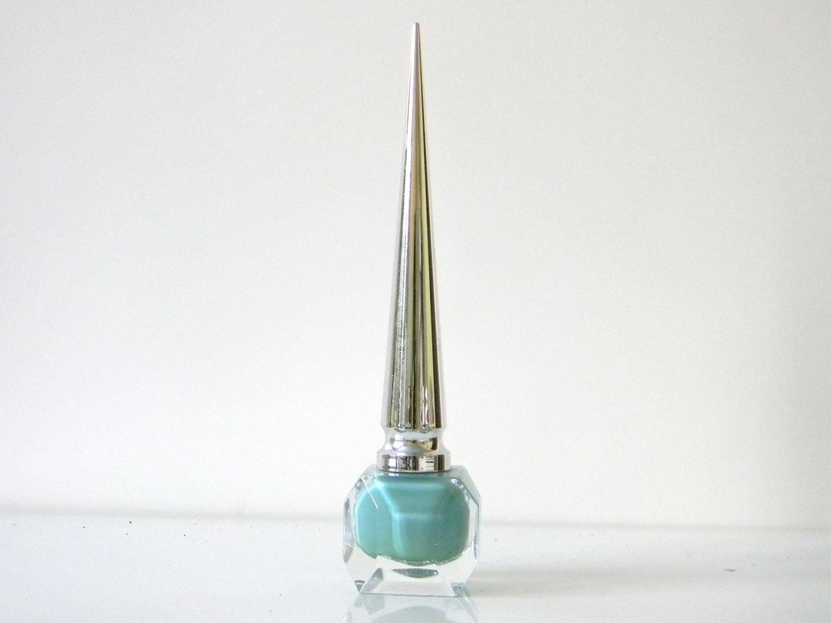 Nail art triangle, vernis Batignolles Louboutin, nail polish
