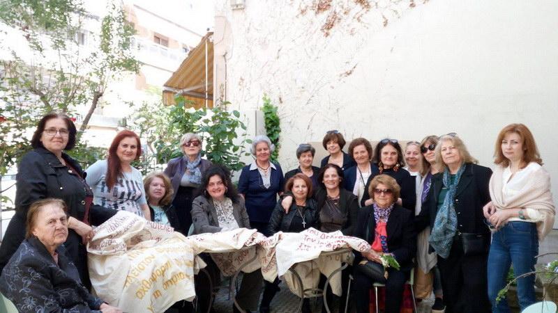 Αλεξανδρούπολη: 49 γυναίκες κέντησαν την ιστορία της πόλης σε πανό 14 μέτρων