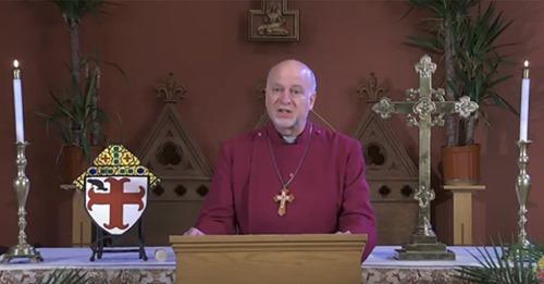 Bispo punido por não realizar casamentos homossexuais deixa denominação