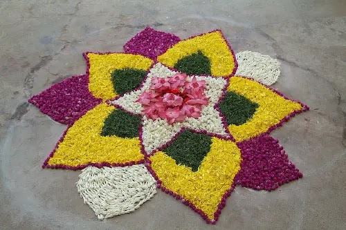 Simple Rangoli Designs With Flowers