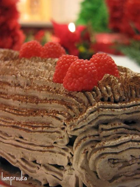 Χριστουγεννιάτικος κορμός με μπισκότα.