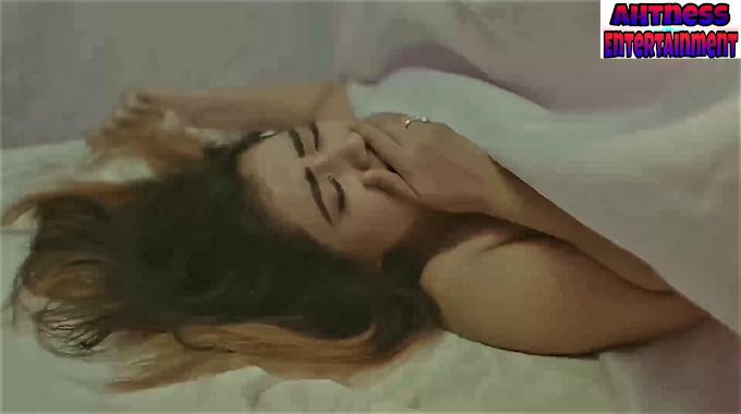Rekha Mona Sarkar sexy scene - Golden Hole s01ep03 (2020) HD 720p