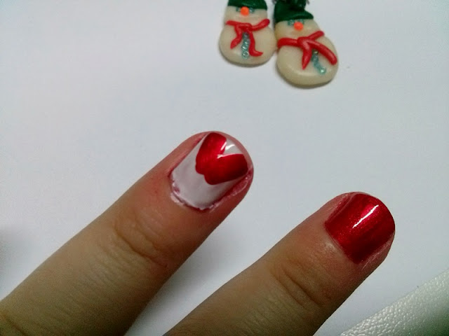 Santa's hat nail art tutorial