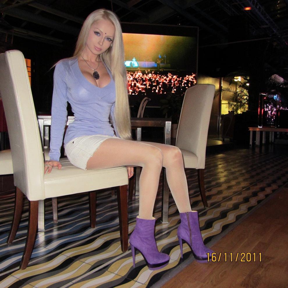 Living Barbie Valeria Lukyanova Awin Language
