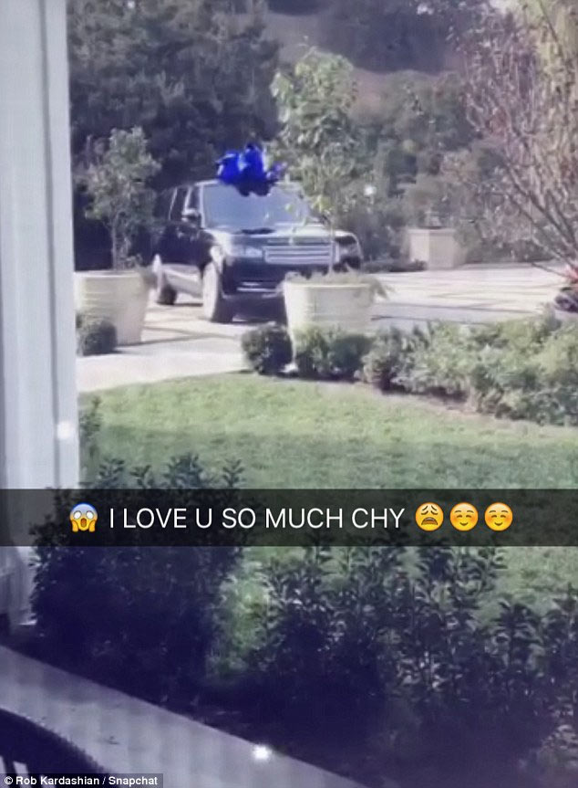 Blac Chyna gets baby daddy Rob Kardashian 2017 Range Rover for Christmas