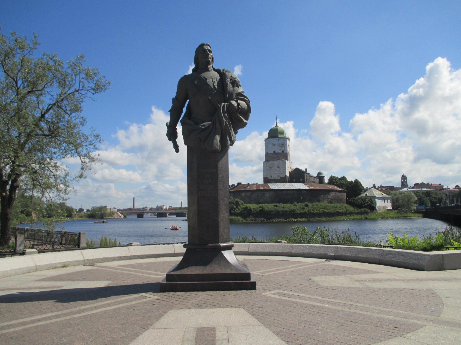 Willimiehen jäljillä: Viipuri / Amiraali Arpaksinin patsas