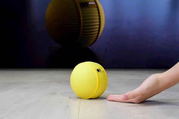 بالفيديو: سامسونغ تكشف عن روبوتها الجديد Ballie