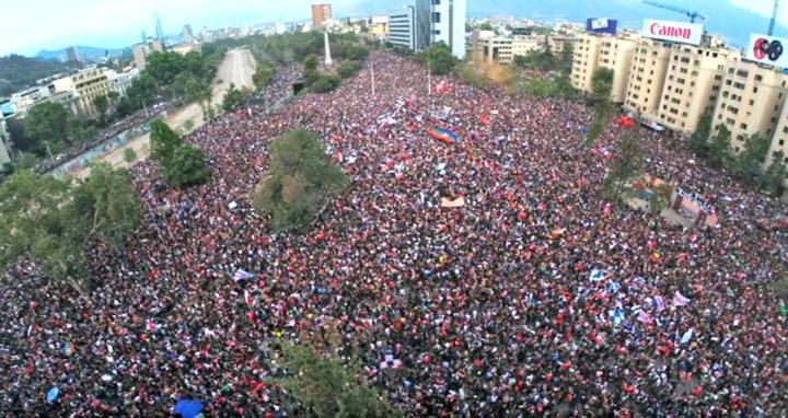 25 жовтня, найбільший в Чилі протест часів демократії