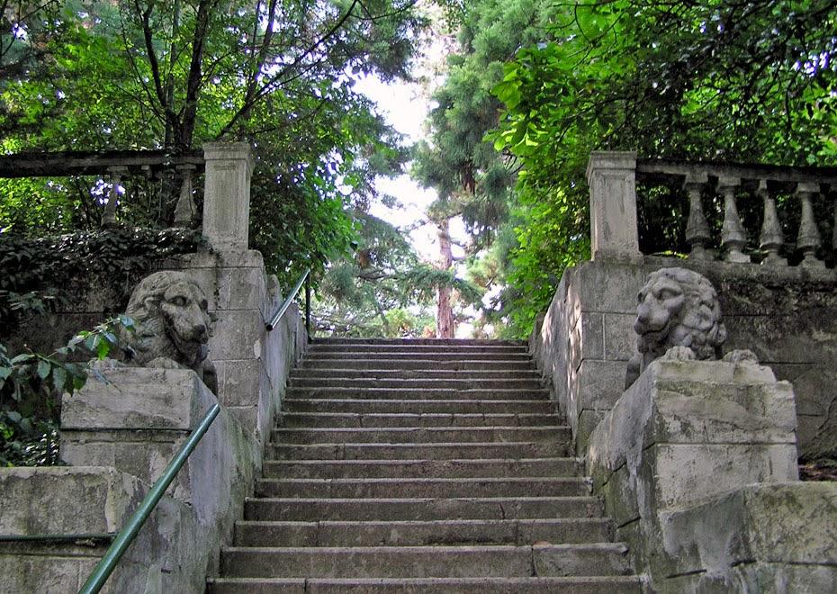 Лестница со львами в Ялте