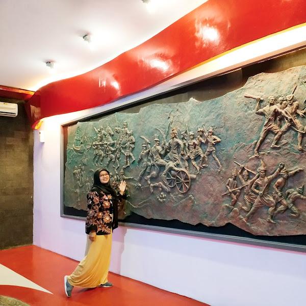 Membangkitkan Rasa Patriotis dan Nasionalis Dengan Nonton Bareng Battle of Surabaya