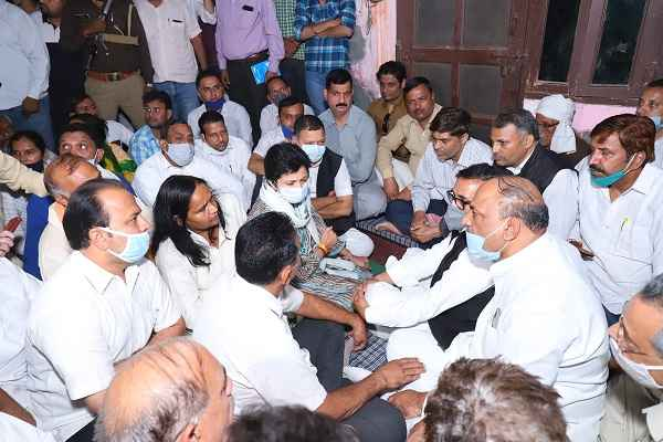 nikita-tomer-case-latest-news-kumari-selja-meet-family-faridabad