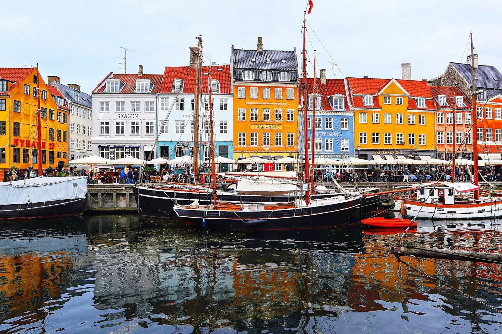 Nyhavn in Copenhagen bloggers