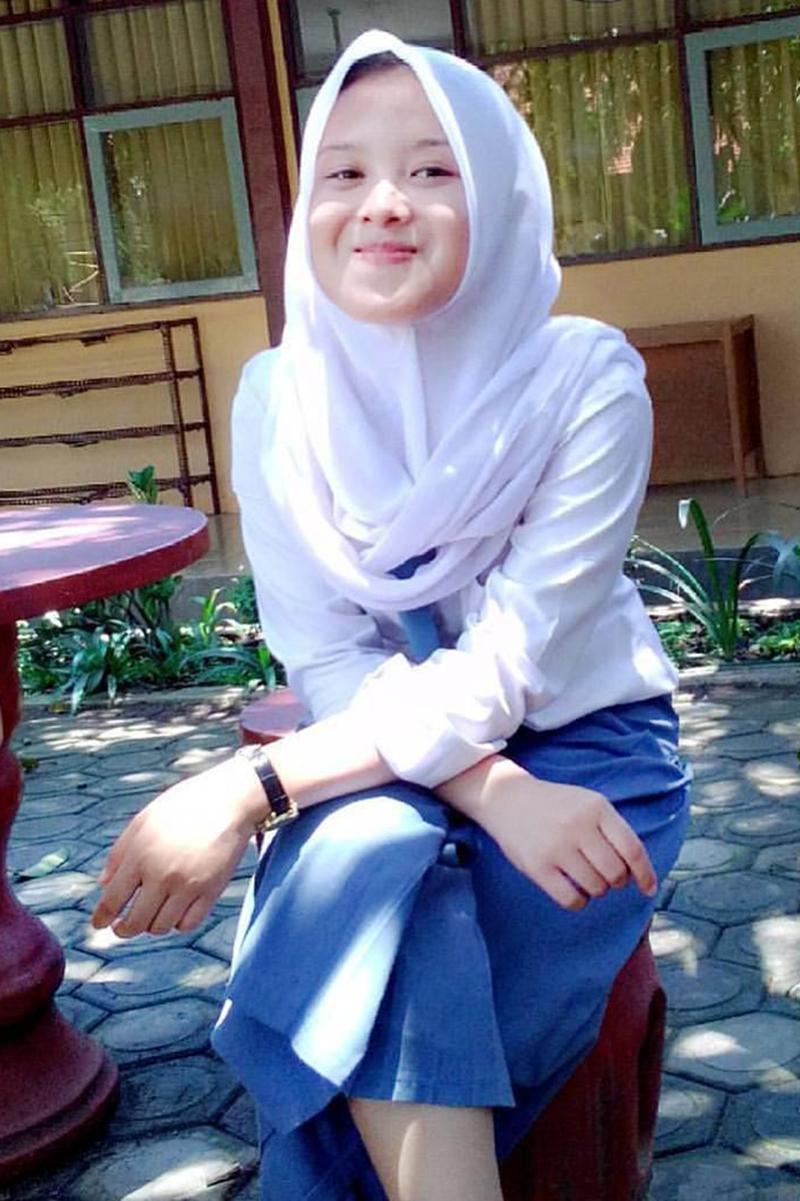 Siswi Jilbab SMA Cantik wajib jilbab
