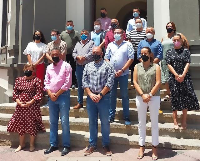 Cabildo de Fuerteventura se une al minuto de silencio por Anna, Olivia y Rocío convocado por la Federación de Municipios y Provincias (FEMP)