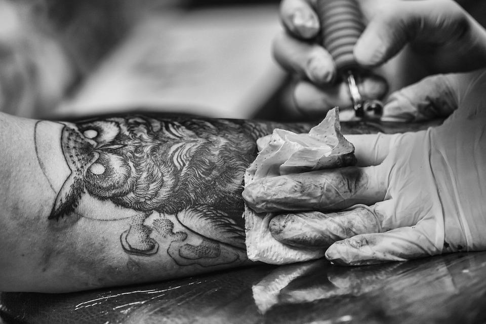Co Się Dzieje Ze Skórą Po Zrobieniu Tatuażu Dlaczego