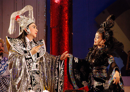 Traditional Songs: Cai Luong (renovated opera)