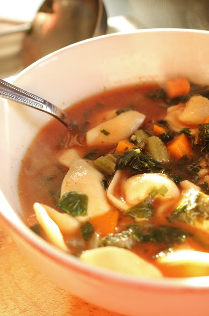 Hearty Tortellini Kale Soup